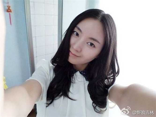 Trang mạng Sina.com nói không có bất cứ học sinh nào vắng mặt hay ngủ gật trong giờ của Đặng