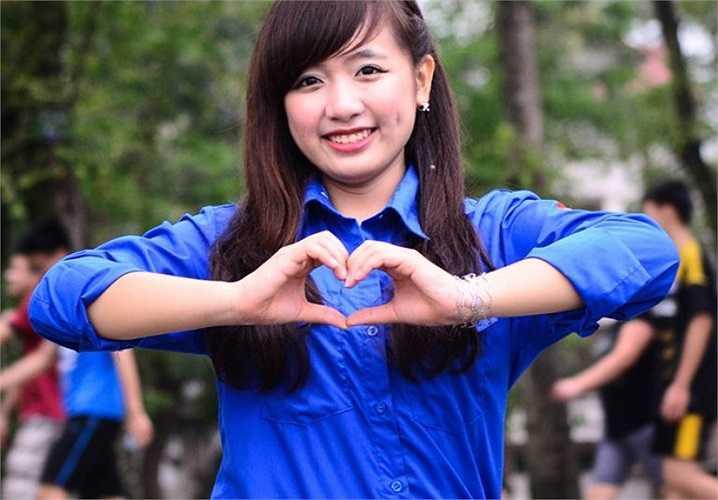 Hồng Minh từng là Hoa khôi trong cuộc thi Duyên dáng màu áo xanh 2014.