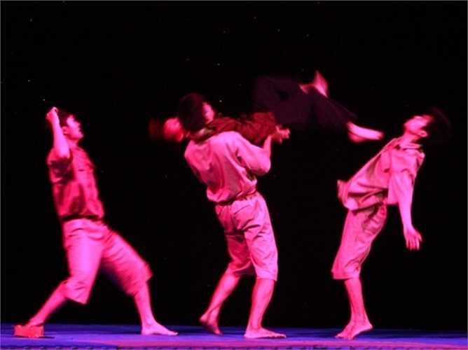 Những động tác võ thuật đẹp mắt được lồng trong nội dung vở kịch đầy ý nghĩa