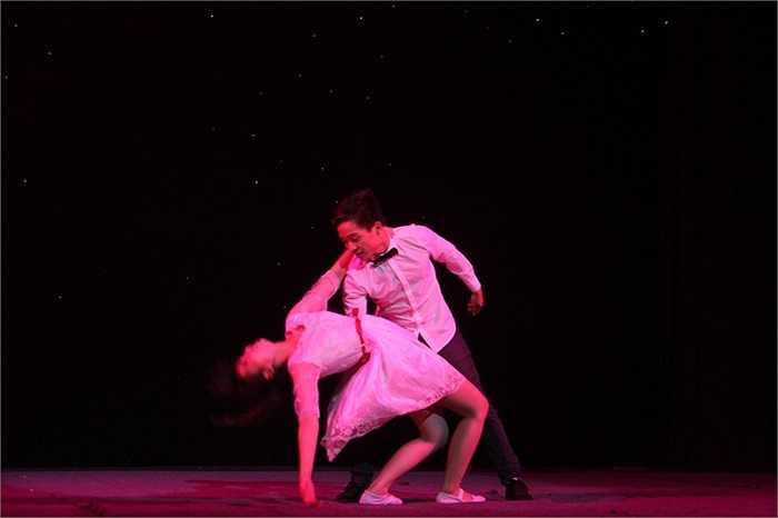 Tiết mục nhảy hiện đại ' Love story' đã nhận được sự yêu thích đặc biệt của khán giả