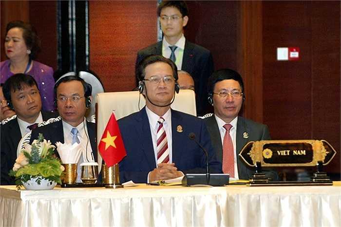 Thủ tướng Nguyễn Tấn Dũng và đoàn Việt Nam dự phiên họp toàn thể