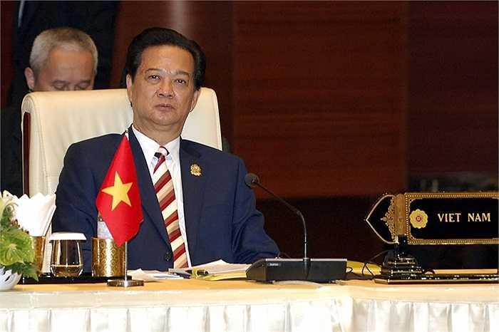 Thủ tướng Nguyễn Tấn Dũng dự phiên họp toàn thể Hội nghị Cấp cao ASEAN 25