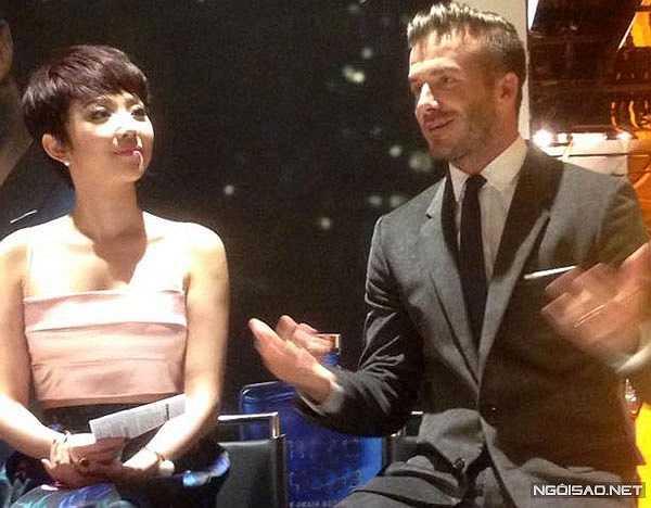 Sau đó, trên trang facebook cá nhân của mình, Beckham đã treo 1 dòng status nói về chuyến đi Việt Nam cũng như cuộc gặp gỡ với Tóc Tiên.(Ảnh: Lý Võ Phú Hưng)