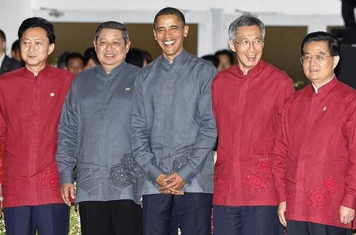 Các nhà lãnh đạo APEC trong thiết kế chung ở Singapore năm 2009