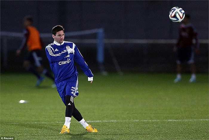 Về phần Messi, siêu sao này tỏ ra khá bình thản trước những lời đồn đoán