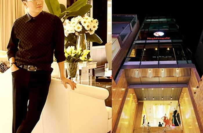 Ngoài căn biệt thự trị giá 3 triệu USD, Đàm Vĩnh Hưng còn sở hữu một penthouse trị giá 5 triệu đô khác tại TP.HCM