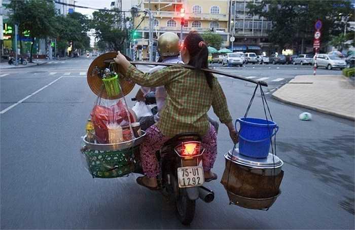 Hình ảnh rất quen thuộc trên đường phố Việt. (Nguồn ảnh: Tổng hợp từ Internet)