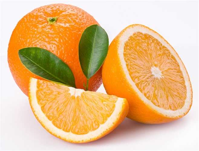 2. Các nhà nghiên cứu Nhật Bản phát hiện ra rằng những người bị trầm cảm nếu được ngửi hương thơm của tinh dầu có trong chanh, cam, quýt có thể lấy lại sự cân bằng trong nồng độ hormone, giảm sự u uất, buồn chán.