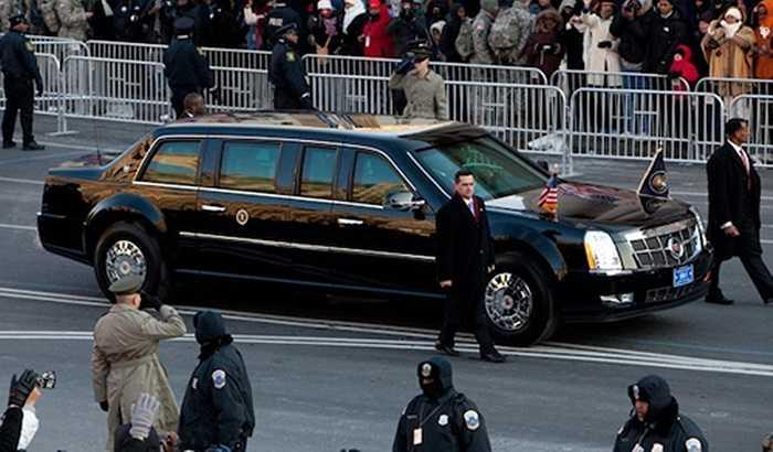 Thực tế không chỉ đến Trung Quốc, mà hầu hết khi đi các nước làm việc, ngoại giao, Obama đều sử dụng chiếc Cadillac chống đạn có biệt danh The Beast (Quái vật)