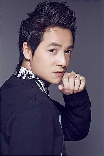 Ngoài ra, họ còn rất thành công trong kinh doanh, hỗ trợ nhiều cho các ca sỹ trẻ cũng như đóng góp cho nền âm nhạc Việt.