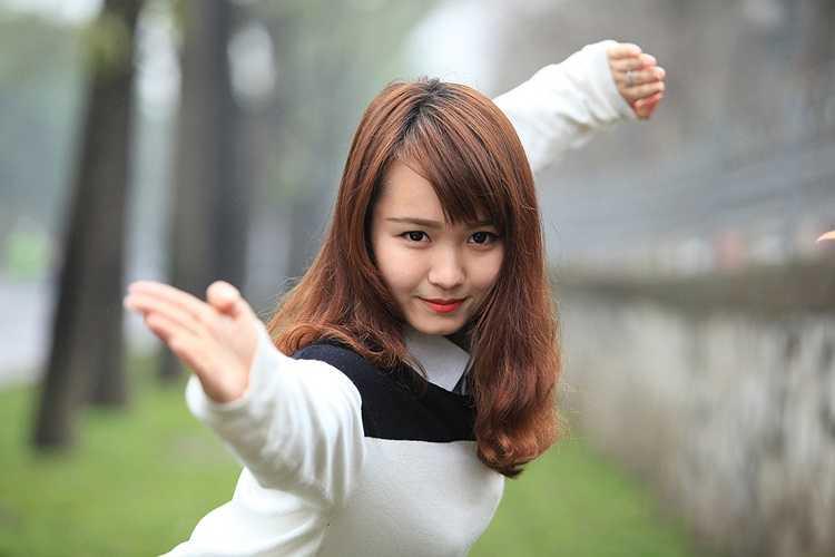 Bắt đầu tập wushu từ năm 5 tuổi, Mai Phương trở thành vận động viên xuất sắc với hơn  20 huy chương vàng ở các giải đấu lớn như Đại hội võ thuật thế giới (2006), giải châu Á trẻ (2003, 2005, 2007), Đại hội Thể thao toàn quốc, Đại hội võ thuật truyền thống thế giới (2007), Asian Indoor Games 3 (2009), World Games (2009) và SEA Games 26 tại Indonesia (2011).