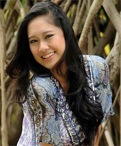 Hồng Châu có nickname khá đáng yêu là Xí Ngầu. Xí Ngầu không chỉ xinh đẹp mà còn thừa hưởng tài năng diễn xuất từ mẹ.
