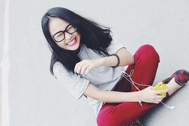 Thiện Thanh là con gái thứ 2 nhà Thanh Lam - Quốc Trung. Vẻ đẹp trong sáng, hồn nhiên của Thiện Thanh không hề thua kém các hot girl tuổi teen.Sinh năm 1996, cô vừa học xong lớp 12 hệ văn hoá của Học viện Âm nhạc Quốc Gia. Cô gái sở hữu chất giọng trong trẻo đốn tim người nghe khi trình bày những ca khúc nhạc nhẹ.