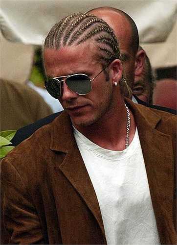 Kiểu tóc cực dị, khá giống với người đồng đội Rio Ferdinand