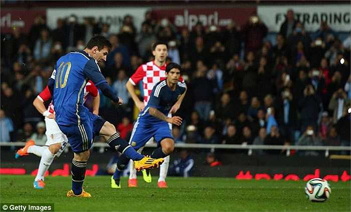 Trước đó vào ngày hôm qua, Messi đã ghi bàn quyết định, giúp Argentina vượt qua Croatia