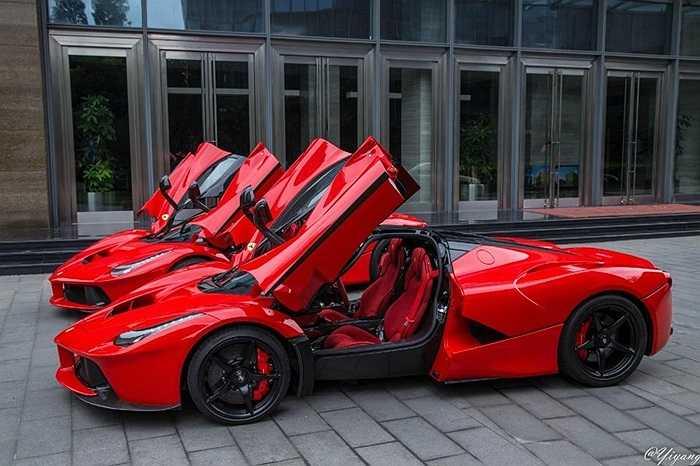 Chiếc xe mang trong mình sức mạnh tổng cộng lên tới 950 mã lực. Giá bán của nó lên tới xấp xỉ 900.000 USD tại Mỹ.