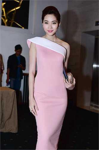 Hoa hậu Việt Nam 2012 Đặng Thu Thảo.