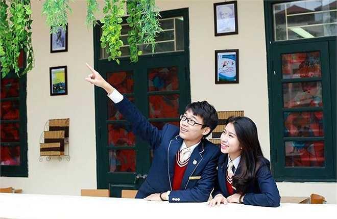 Cuộc thi còn có tên 'Đôi bạn hoàn hảo Phan Huy Chú – Đống Đa'.  Cặp đôi đến từ lớp 11A2 là hai thí sinh: Đào Trọng Khôi (23/11/1998), chiều cao 1,75 m với ước mơ trở thành một bác sĩ giỏi. Và Phạm Khánh Huyền (9/11/1998), cao 1,60 m, ước mơ trở thành nhà kinh doanh. (Theo Zing)