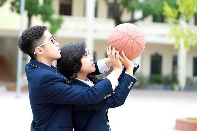 2 thí sinh của 11D1 là Bùi Phương Nam (10/2/1998), chiều cao 1,68 m, dự định sau này là trở thành doanh nhân hoặc làm về lĩnh vực nghệ thuật. Lê Hà Quỳnh Anh (13/10/1998), chiều cao 1,60 m. Cô nàng mơ ước trở thành một kiến trúc sư tài ba. (Theo Zing)