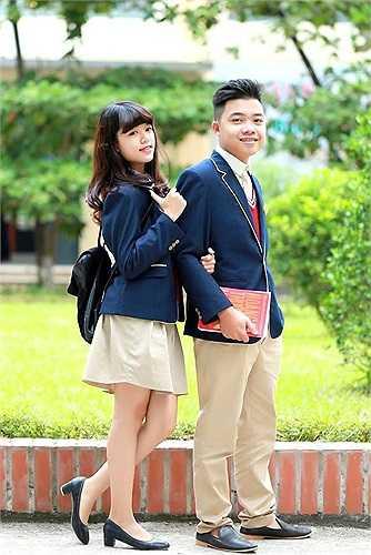 Hai thí sinh lớn hơn đến từ lớp 12A4. Tạ Quốc Nam (22/6/1997), chiều cao 1,7 m với mong muốn sẽ trở thành doanh nhân. Nguyễn Thạch Thảo (8/10/1997) có chiều cao 1,62 m. Với tài năng diễn kịch và giọng hát tốt, cô gái này mong muốn trở thành ca sĩ, diễn viên trong tương lai. (Theo Zing)