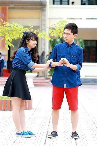 Sự đáng yêu của Nguyễn Hoàng Nhi (4/4/1998), cao 1,58 m với ước mơ trở thành đạo diễn truyền hình kết hợp với anh chàng Dương Tuấn Sơn (9/12/1998), chiều cao 1,65 m, ước mơ trở thành giáo viên tiếng Anh. Cặp đôi này đến từ lớp 11D3. (Theo Zing)