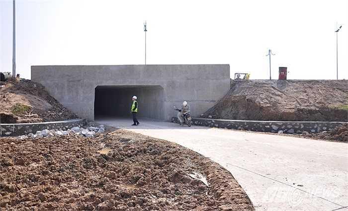 Hầm chui nằm trên tuyến đường Nội Bài - Nhật Tân. CIENCO 4 là đơn vị thi công.