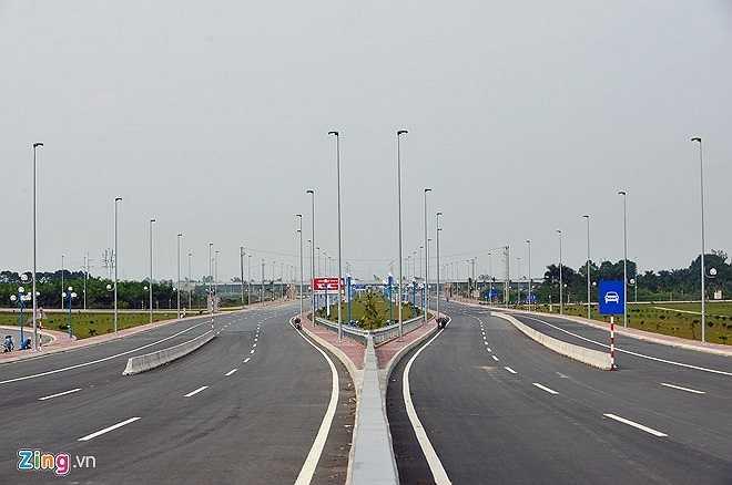 Dự án có tổng mức đầu tư gần 5.000 tỷ đồng, từ nguồn vốn vay ODA của Chính phủ Nhật Bản và vốn đối ứng của Việt Nam. Tuyến đường này có mặt cắt rộng 80 - 100 mét, 6 làn xe chạy, tốc độ tối đa 80 km/h. Hiện, đoạn từ cầu Nhật Tân tới xã Mai Đình (Sóc Sơn, Hà Nội) đã xong. (Theo Zing)