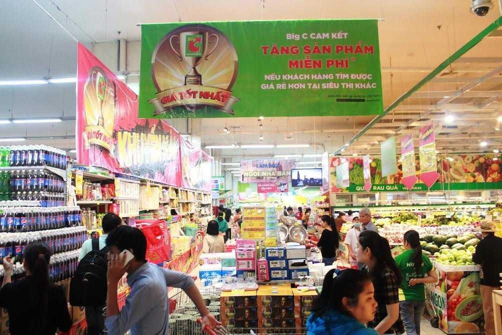 Các siêu thị nỗ lực giảm giá bán
