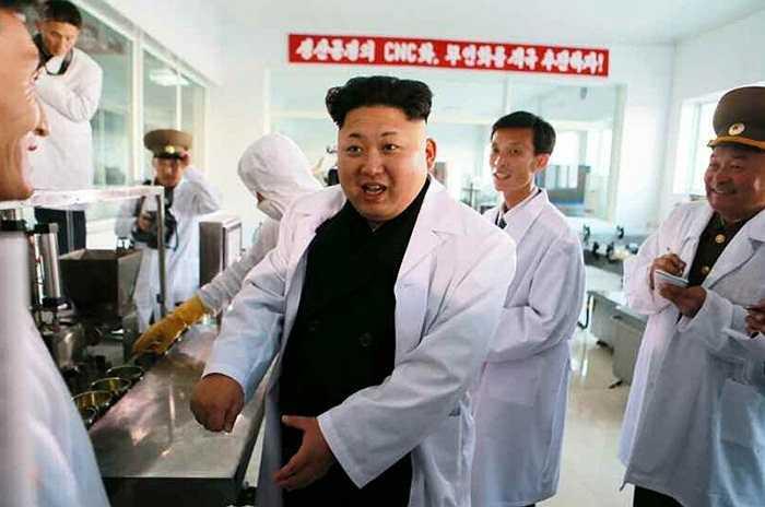 Nhà lãnh đạo thăm xưởng thực phẩm và đưa ra những chỉ đạo cụ thể