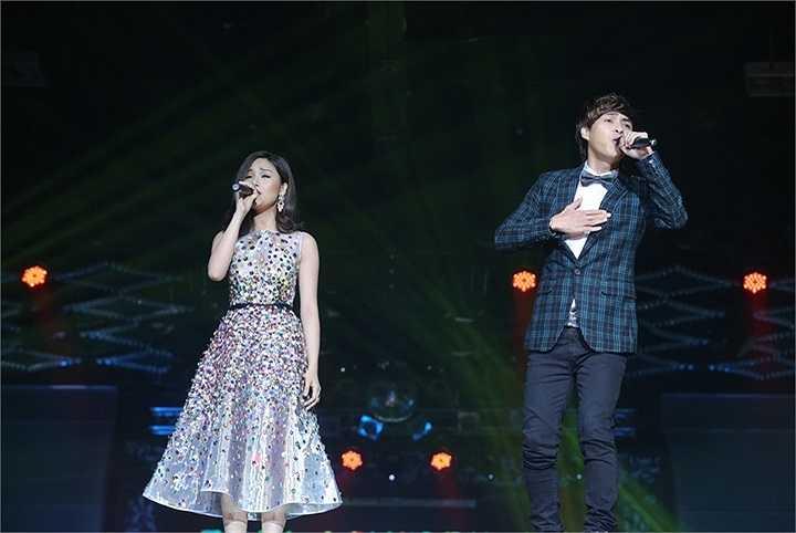 Tiết mục tiếp theo của Miu Lê là ca khúc song ca cùng Hồ Quang Hiếu - Không còn nhau. Đây là bản song ca từng được rất nhiều khán giả yêu thích của cả hai.