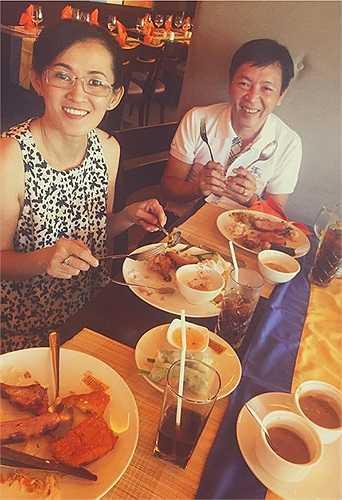 Angela Phương Trinh chia sẻ những hình ảnh hạnh phúc của gia đình.