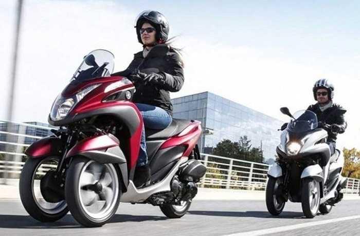Yamaha Tricity: Một trong những vấn đề mà phái đẹp thường gặp khó khăn là việc kiểm soát độ thăng bằng của 2 bánh xe. Giải pháp đưa ra cho vấn đề này là lắp 2 bánh trước cho xe. Đặc biệt, mức giá của mẫu mô tô nặng 152kg có công suất 15 mã lực Tricity này còn giảm đáng kể (khoảng 95 triệu đồng).