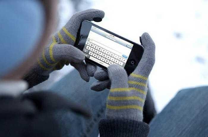 Nút Home dễ hỏng     Đây là một trong những vấn đề cố hữu nhất của iPhone, trải qua nhiều thế hệ. Do đó, nhiều người đã chọn cách dùng nút Home ảo để giữ gìn thật cẩn thận phần nút bấm mà lẽ ra, họ phải sử dụng nhiều lần nhất trong một ngày.