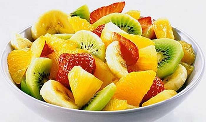 Ăn ít rau quả là một trong những thói quen xấu gây ảnh hưởng không tốt đến gan. Bạn cần phải ăn nhiều trái cây tươi và rau quả để tăng cường khả năng giải độc của gan.