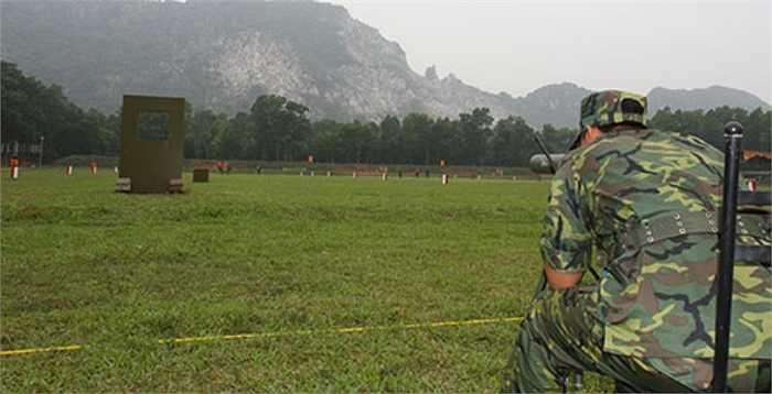 Hiện tại, 10 đoàn bắn súng quân dụng các nước đã tập trung đầy đủ tại Trung tâm Huấn luyện quốc gia Miếu Môn, tích cực tổ chức huấn luyện, tranh thủ thời gian làm quen với các dải bắn. (Theo QĐND)