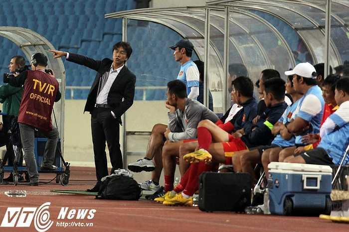 HLV Miura chỉ có thể hài lòng nếu tuyển Việt Nam chơi trọn vẹn cả trận đấu theo ý mình. (Ảnh: Nhạc Dương)