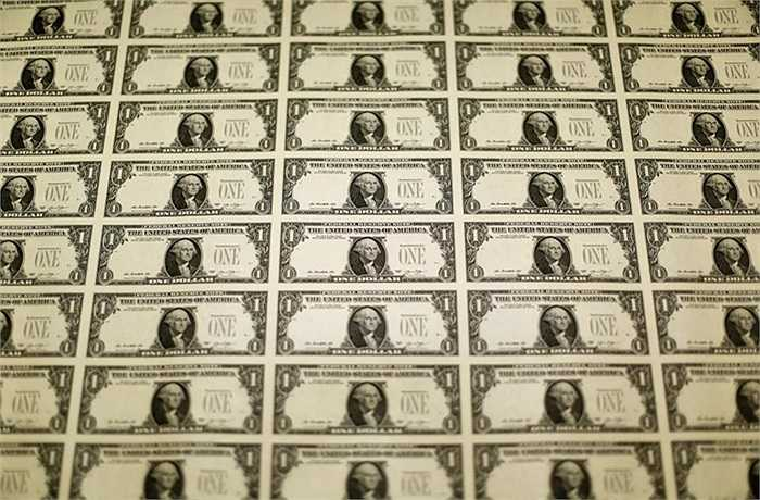 Một tấm in mặt trước của tờ 1 USD