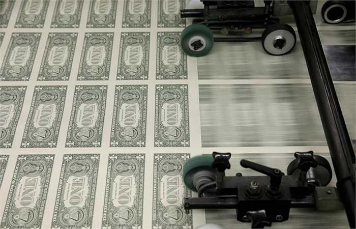 Mặt sau tờ 1 USD trong quá trình in ấn