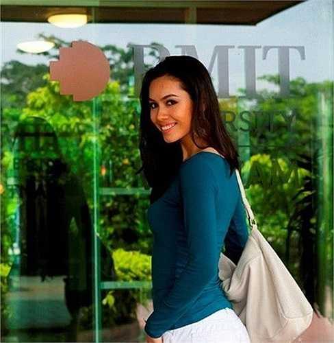 Á hậu 1 cuộc thi Hoa Hậu Việt Nam 2010 - Vũ Hoàng My từng là sinh viên trường ĐH RMIT.