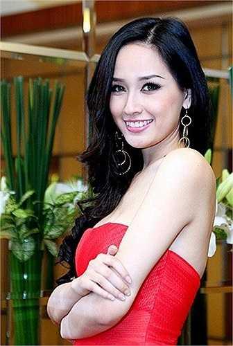 Mai Phương Thúy cũng là người đẹp Việt sử dụng tiếng Anh rất tốt.
