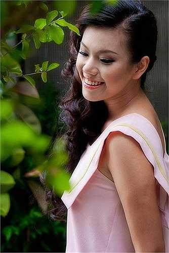 Nguyễn Ngọc Phương Vy sinh năm 1987 là quán quân cuộc thi Thần Tượng Âm Nhạc Việt Nam - Vietnam Idol 2007.