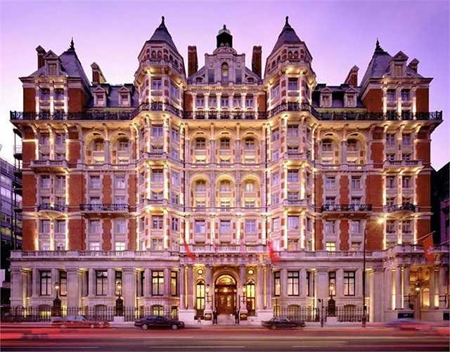 Mandarin được đặt tại Mỹ, châu Á và Trung Đông là chuỗi khách sạn được nhiều người nổi tiếng yêu thích nhất, bên cạnh đó Mandarin còn được biết đến với hệ thống spa đẳng cấp.