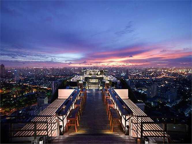 Một trong những chuỗi khách sạn nổi tiếng nhất ở khu vực Châu Á như Trung Quốc, Indonesia, Mexico, Việt Nam, Thái Lan, Hàn Quốc…nhưng lại không xuất hiện ở Mỹ là Banyan Tree. Bạn cần chi 150.000$ mỗi năm và trả thêm 3.300$ mỗi tuần để có được những trải nghiệm độc đáo trong các biệt thự sang trọng của Banyan Tree.