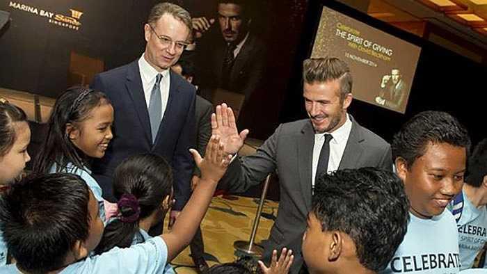 Điểm dừng chân tiếp theo của Beckham trong chuyến viếng thăm châu Á, sau Việt Nam và Malaysia là Singapore