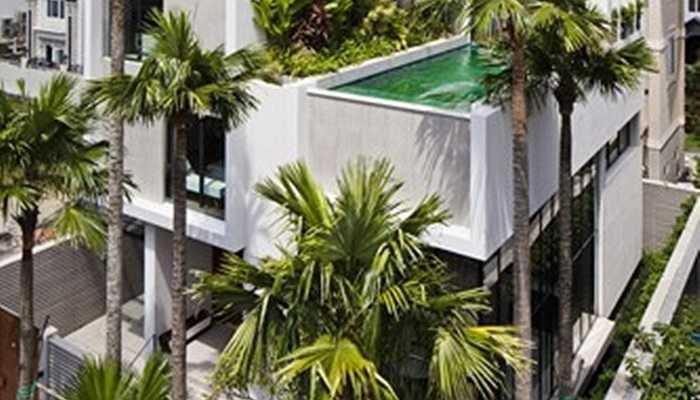 Các giải pháp thiết kế cho biệt thự được kiến trúc sư đề xuất để cân bằng toàn bộ khối lượng bao gồm các phòng ngủ và bể bơi phía trên.