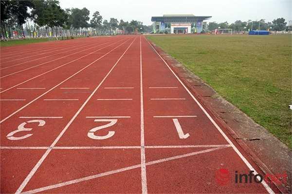 ... hay hệ thống sân vận động đầy đủ các hạng mục..(Theo Infonet)