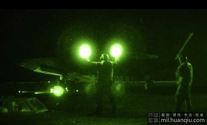 Siêu chiến cơ F-35C của Mỹ cất hạ cánh trên tàu sân bay USS Nimitz