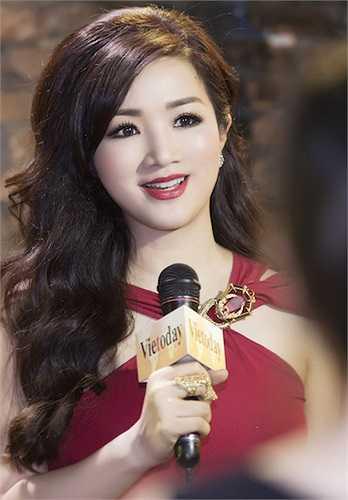 Đây là một sự kiện từ thiện được tổ chức để quyên góp tiền ủng hộ cho nghệ sỹ cải lương Vũ Phong và người mẫu Duy Nhân.