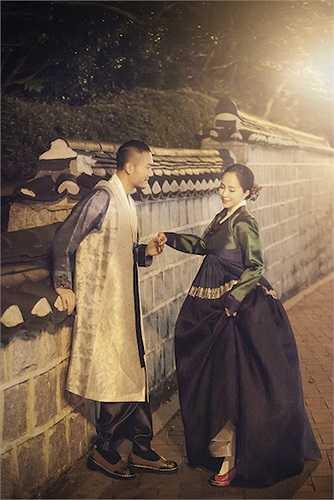 'Cá sấu chúa' đẹp mơ màng trong bộ hanbok thướt tha.