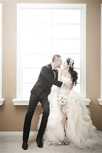 Quỳnh Nga thực sự đang rất hạnh phúc trong vòng tay của người chồng sắp cưới.